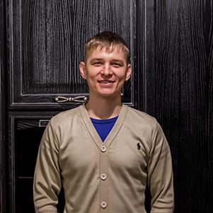 Денис Зверев