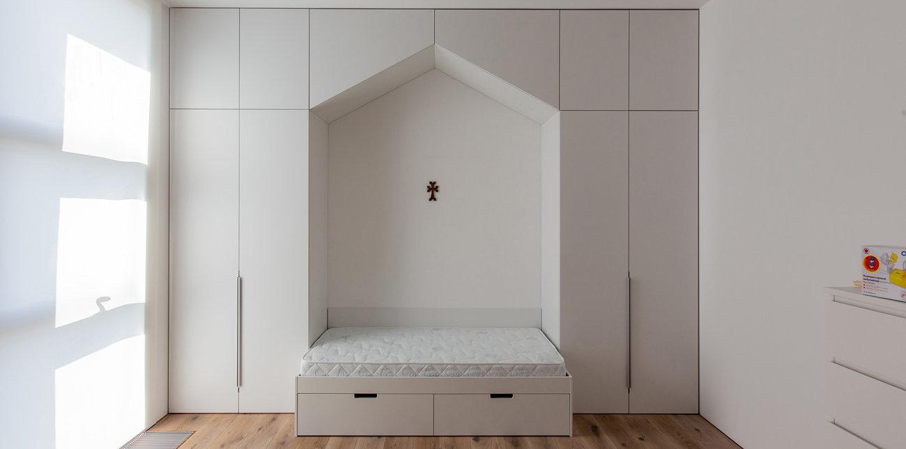 Шкафы в виде домика